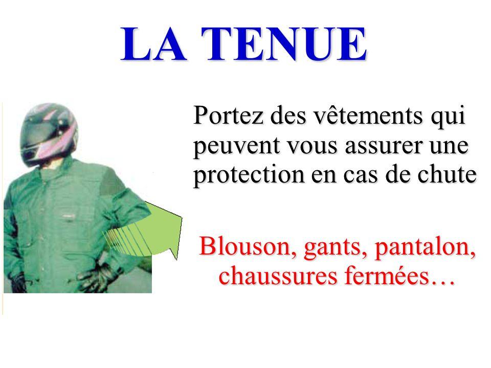 Blouson, gants, pantalon, chaussures fermées…