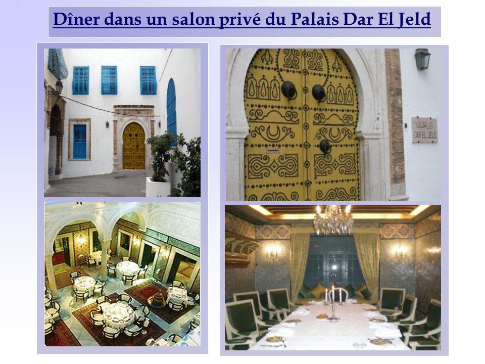 Dîner dans un salon privé du Palais Dar El Jeld