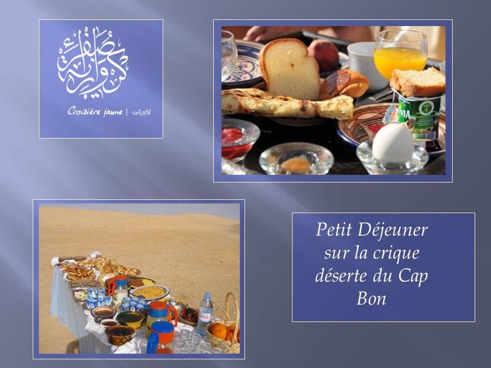 Petit Déjeuner sur la crique déserte du Cap Bon