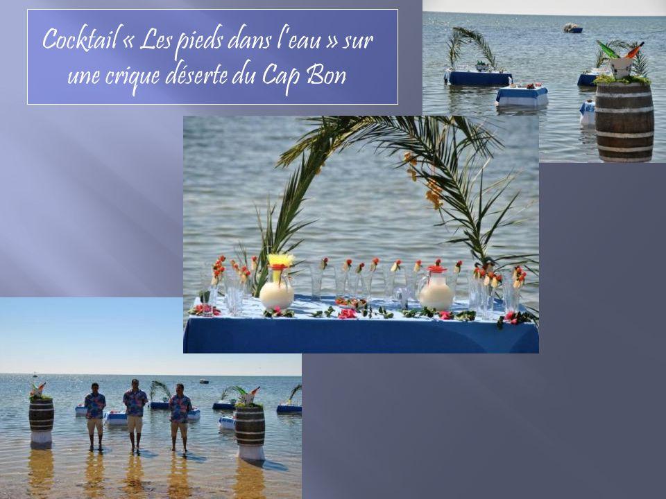 Cocktail « Les pieds dans l'eau » sur une crique déserte du Cap Bon