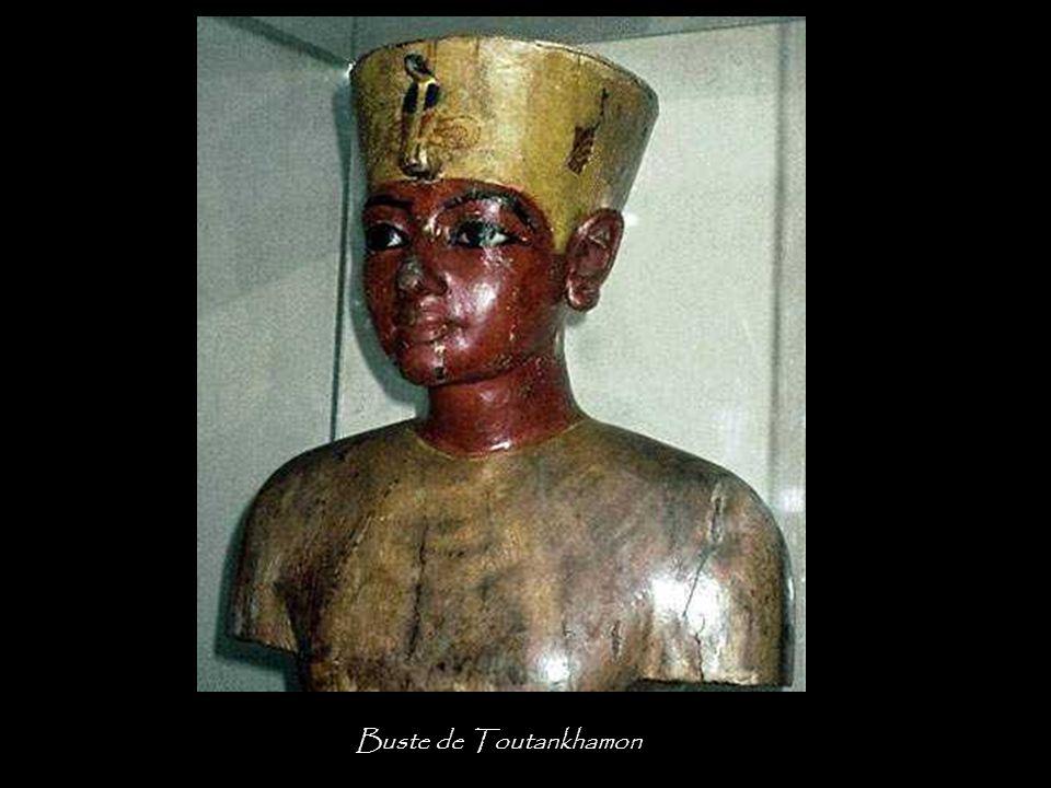 Buste de Toutankhamon