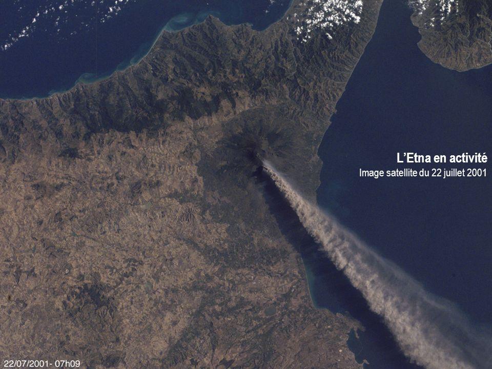 L'Etna en activité Image satellite du 22 juillet 2001