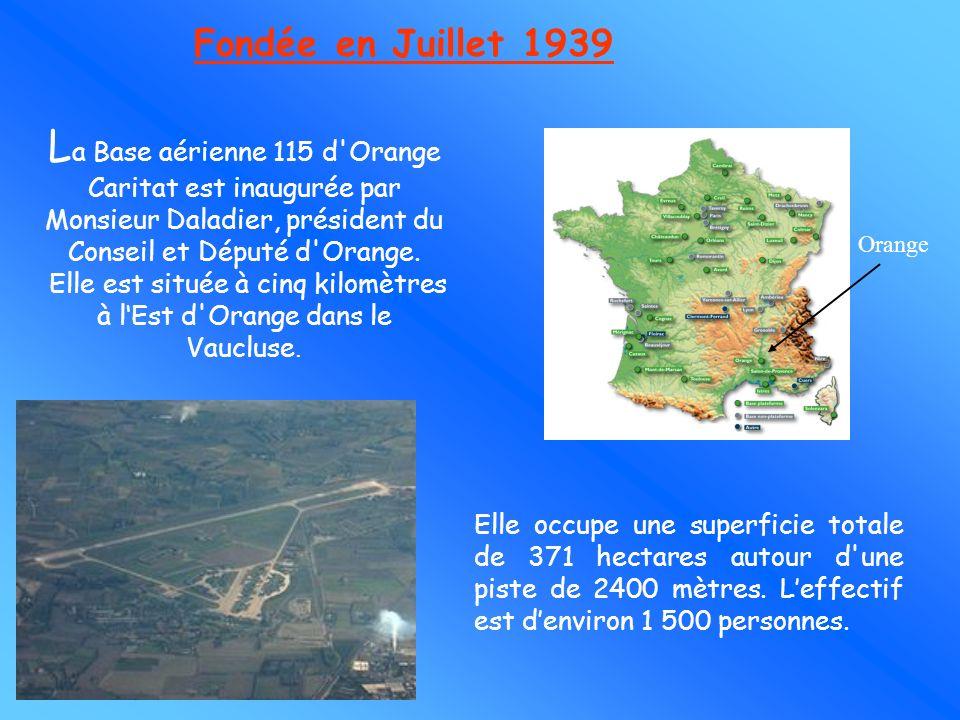 Elle est située à cinq kilomètres à l'Est d Orange dans le Vaucluse.