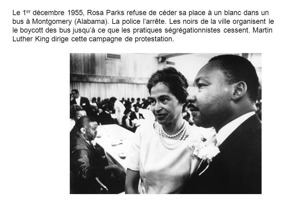 Le 1er décembre 1955, Rosa Parks refuse de céder sa place à un blanc dans un