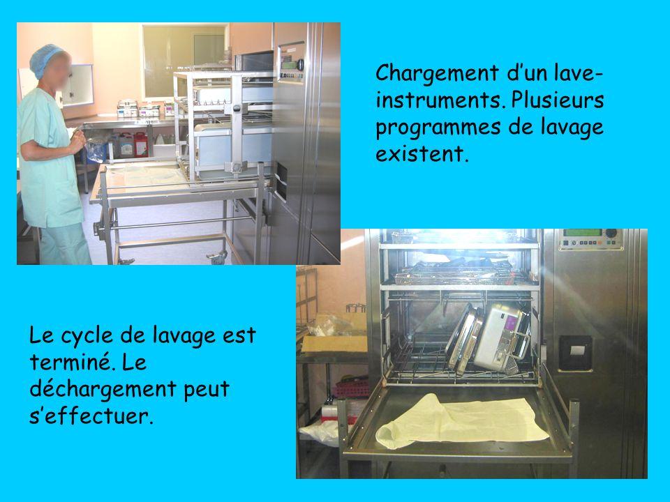 Chargement d'un lave-instruments