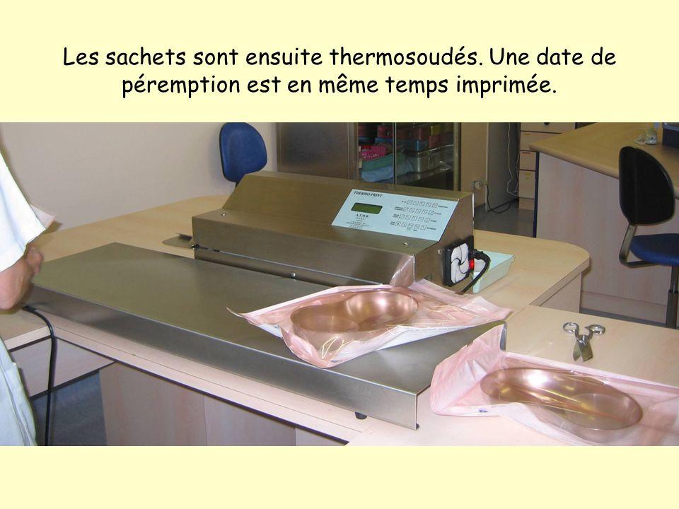 Les sachets sont ensuite thermosoudés