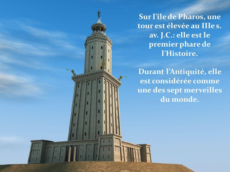 Sur l'île de Pharos, une tour est élevée au IIIe s. av. J. C