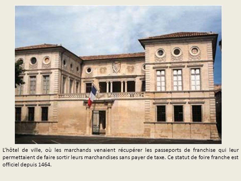 L'hôtel de ville, où les marchands venaient récupérer les passeports de franchise qui leur permettaient de faire sortir leurs marchandises sans payer de taxe.