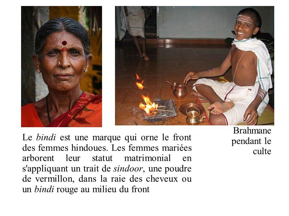 Brahmane pendant le culte