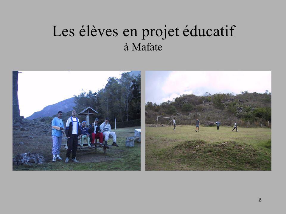 Les élèves en projet éducatif à Mafate