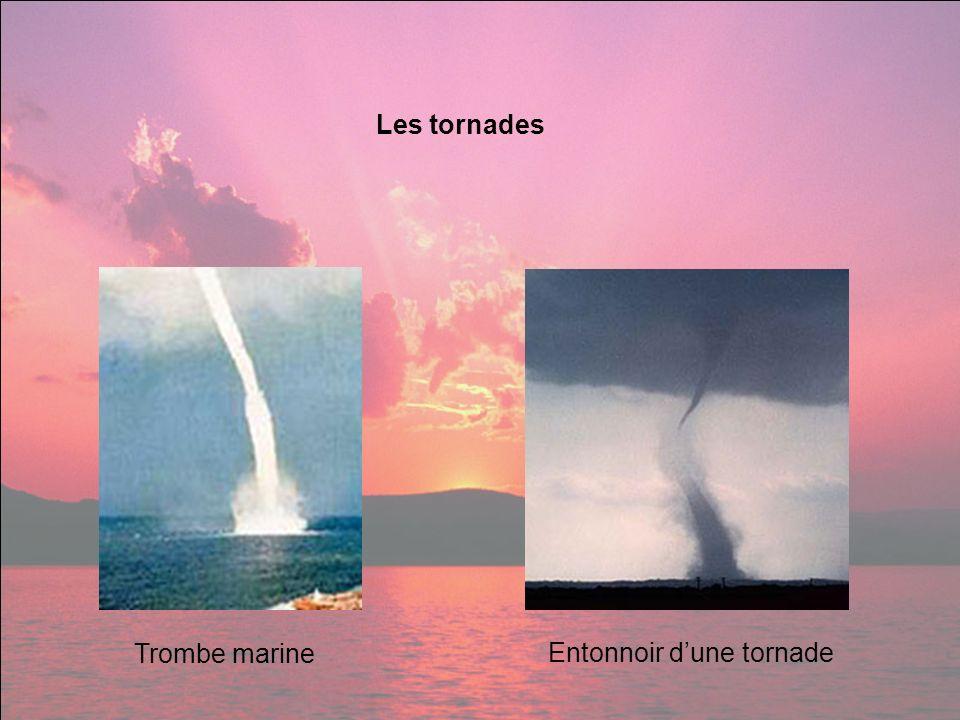 Les tornades Trombe marine Entonnoir d'une tornade