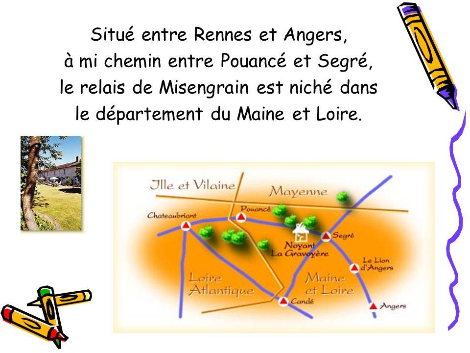 Situé entre Rennes et Angers, à mi chemin entre Pouancé et Segré,