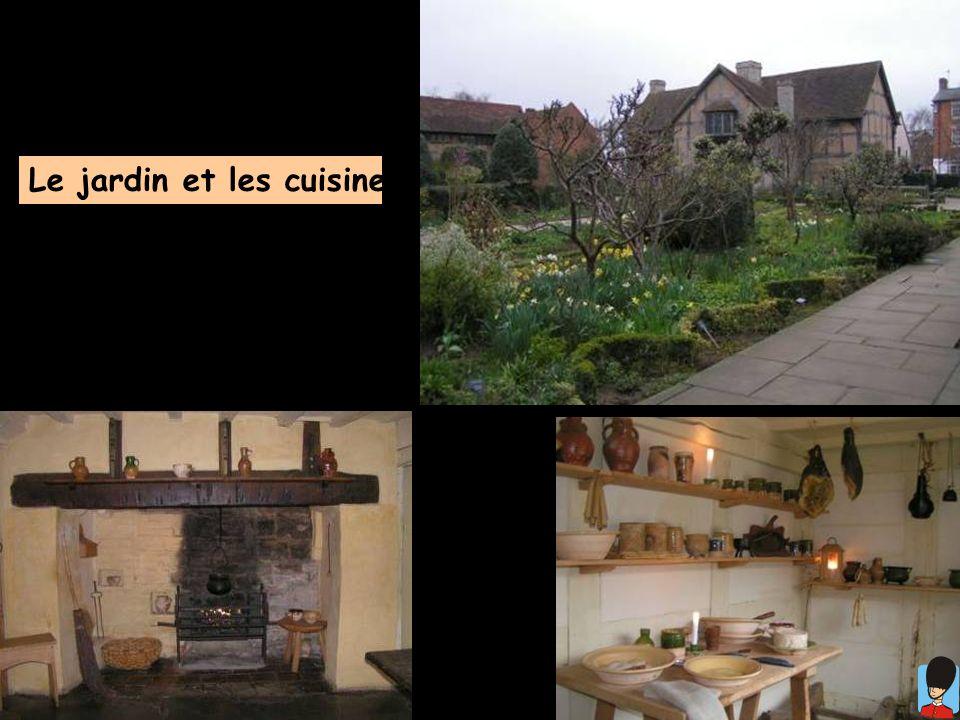 Le jardin et les cuisines ...