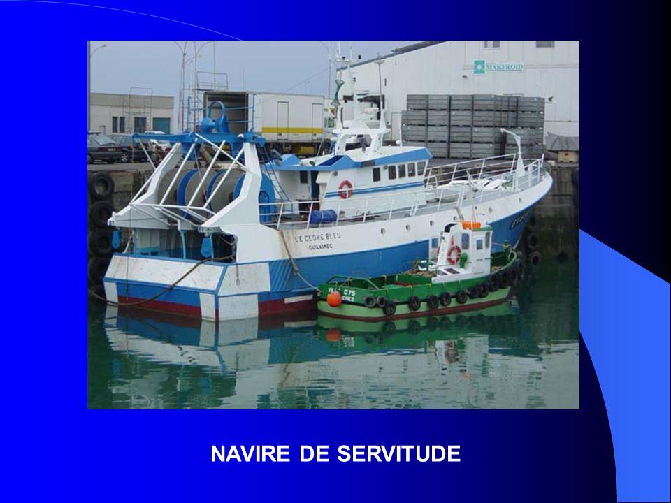 NAVIRE DE SERVITUDE