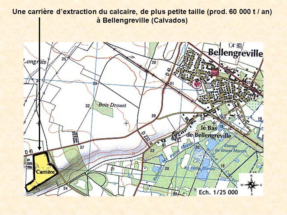 Une carrière d'extraction du calcaire, de plus petite taille (prod