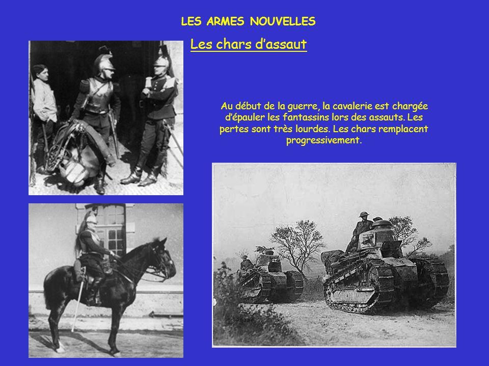 Au début de la guerre, la cavalerie est chargée