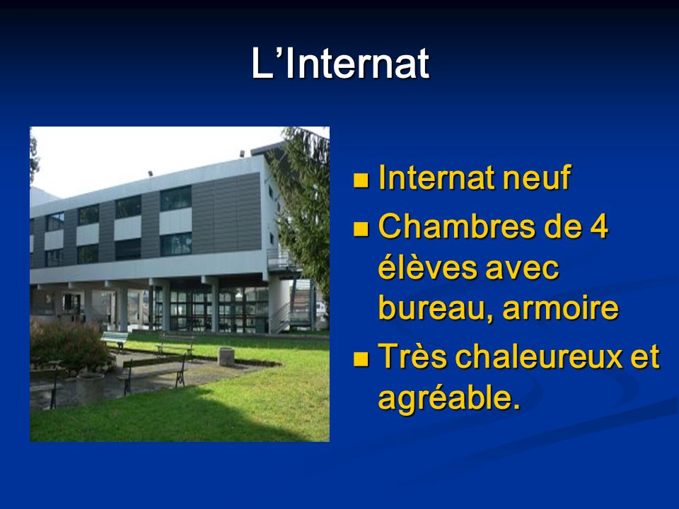 L'Internat Internat neuf Chambres de 4 élèves avec bureau, armoire