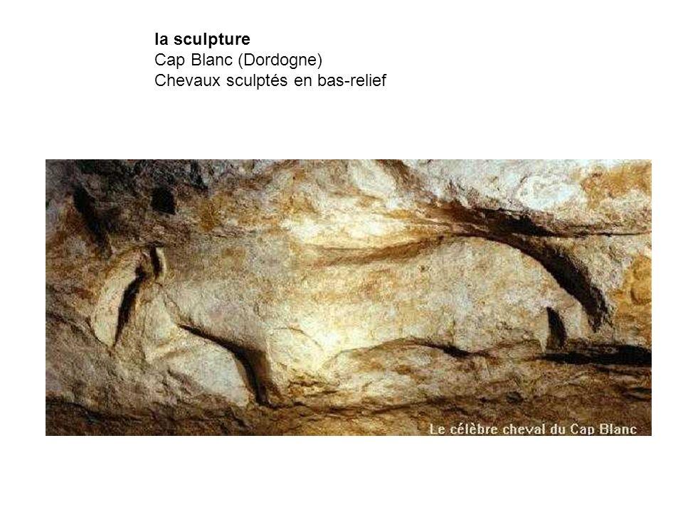 la sculpture Cap Blanc (Dordogne) Chevaux sculptés en bas-relief