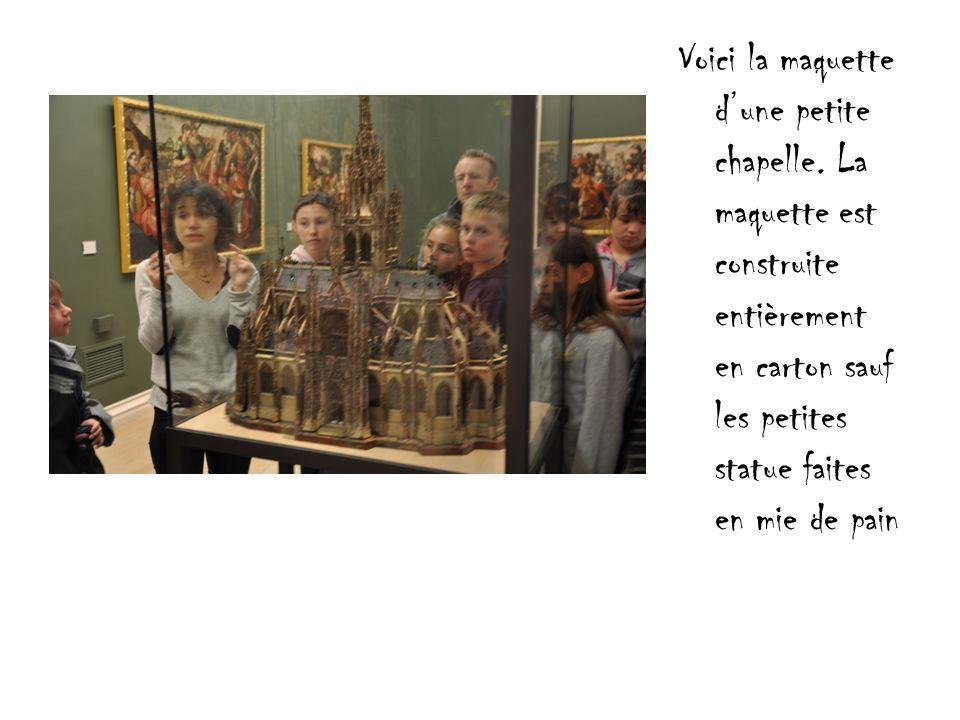 Voici la maquette d'une petite chapelle