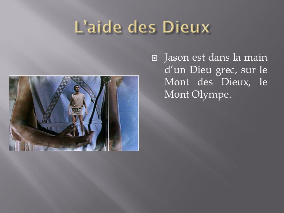 L'aide des Dieux Jason est dans la main d'un Dieu grec, sur le Mont des Dieux, le Mont Olympe.