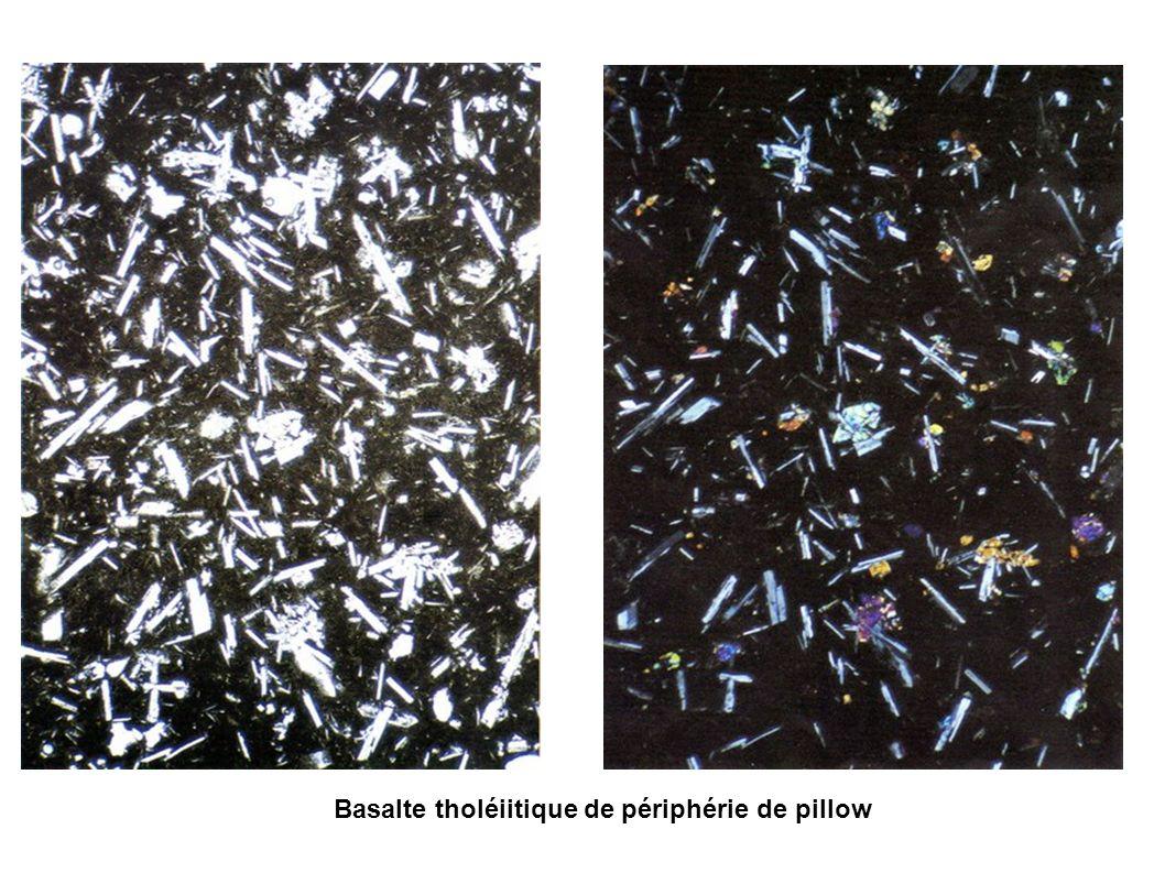 Basalte tholéiitique de périphérie de pillow