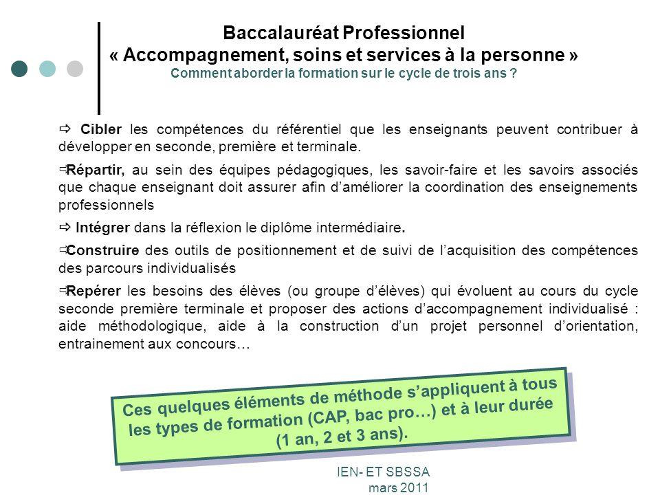 Baccalauréat Professionnel « Accompagnement, soins et services à la personne » Comment aborder la formation sur le cycle de trois ans