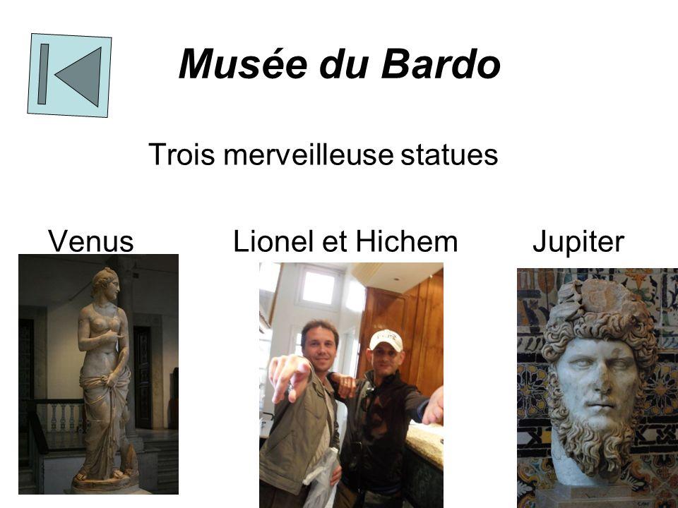 Musée du Bardo Trois merveilleuse statues