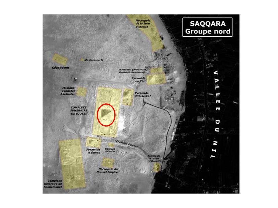 Le mastaba devient civil, car les rois se font ensevelir dans une pyramide.