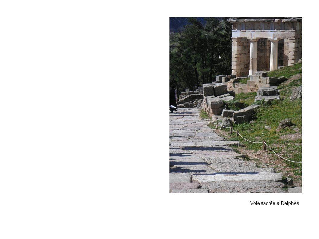 Voie sacrée à Delphes