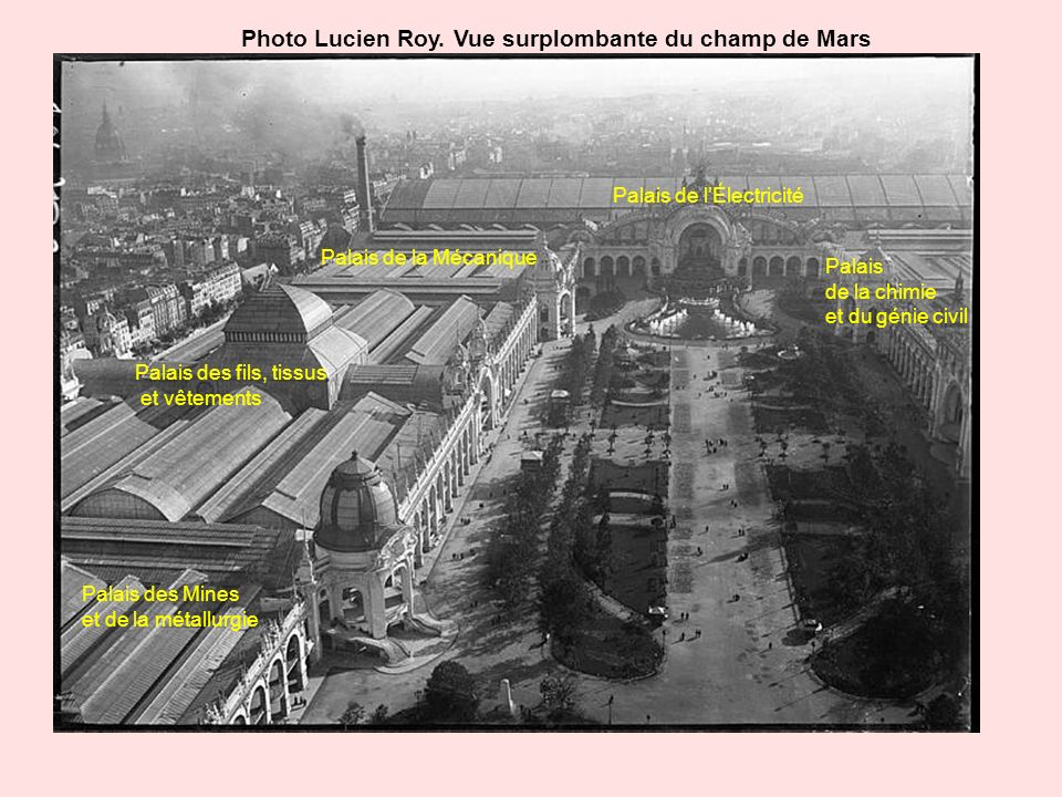 Photo Lucien Roy. Vue surplombante du champ de Mars