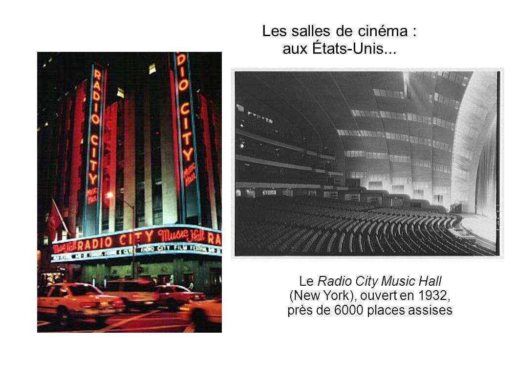 Les salles de cinéma : aux États-Unis...