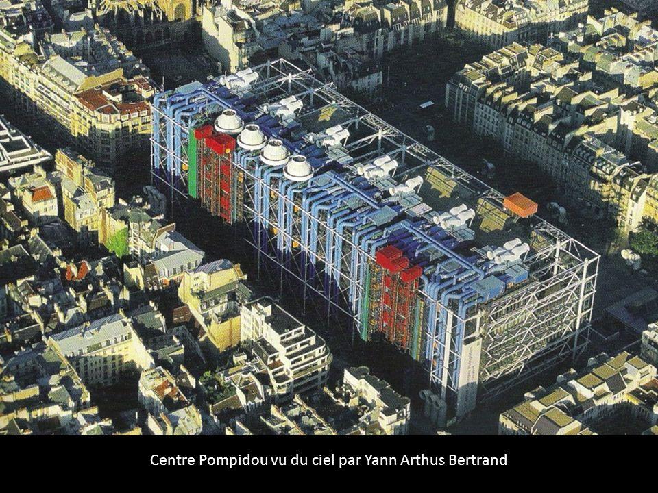 Centre Pompidou vu du ciel par Yann Arthus Bertrand