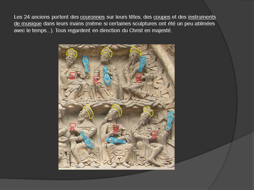 Les 24 anciens portent des couronnes sur leurs têtes, des coupes et des instruments de musique dans leurs mains (même si certaines sculptures ont été un peu abîmées avec le temps…). Tous regardent en direction du Christ en majesté.