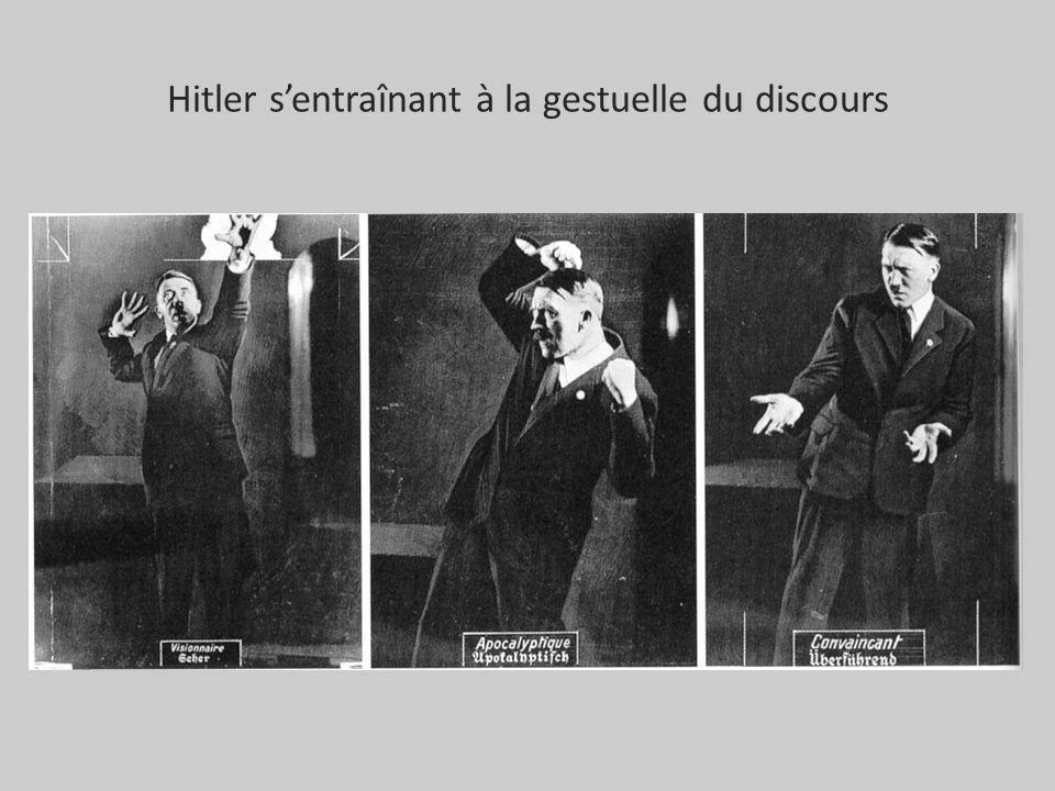 Hitler s'entraînant à la gestuelle du discours