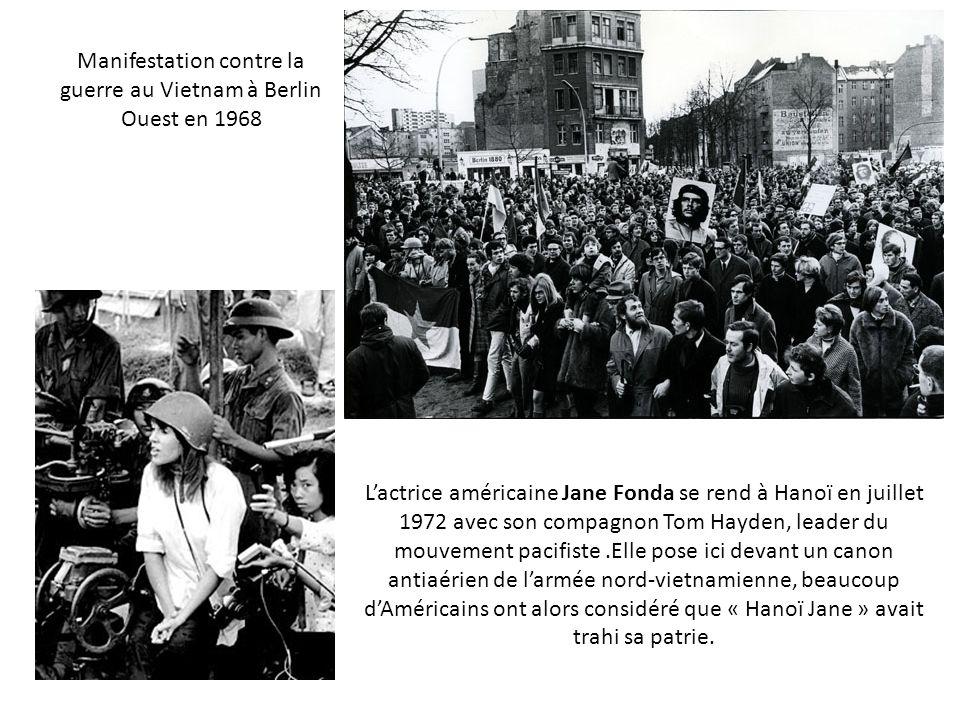 Manifestation contre la guerre au Vietnam à Berlin Ouest en 1968