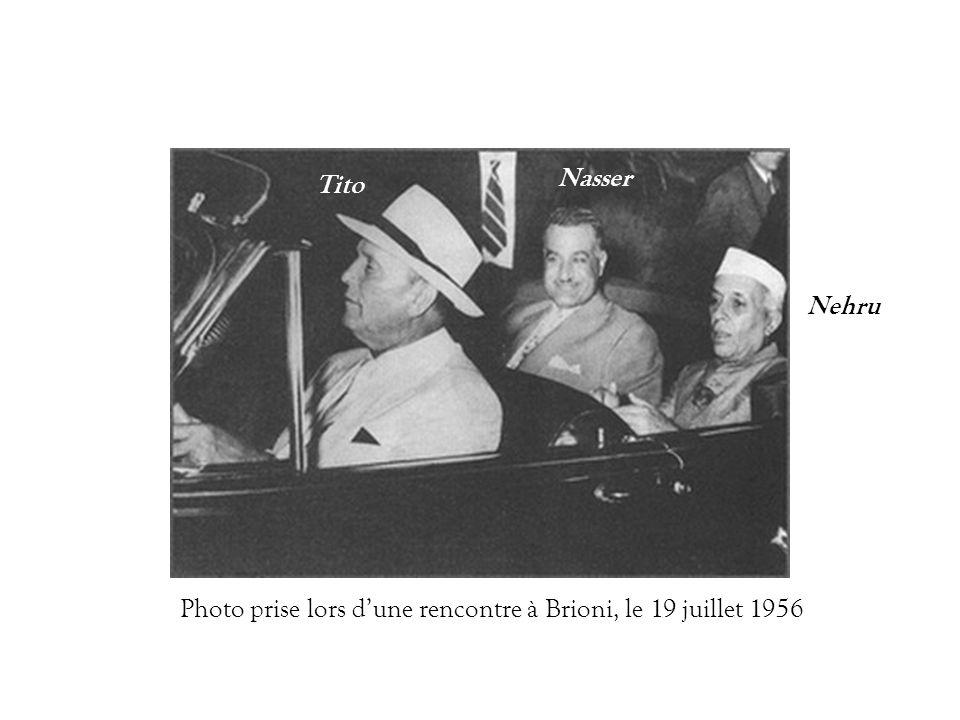 Nasser Tito Nehru Photo prise lors d'une rencontre à Brioni, le 19 juillet 1956