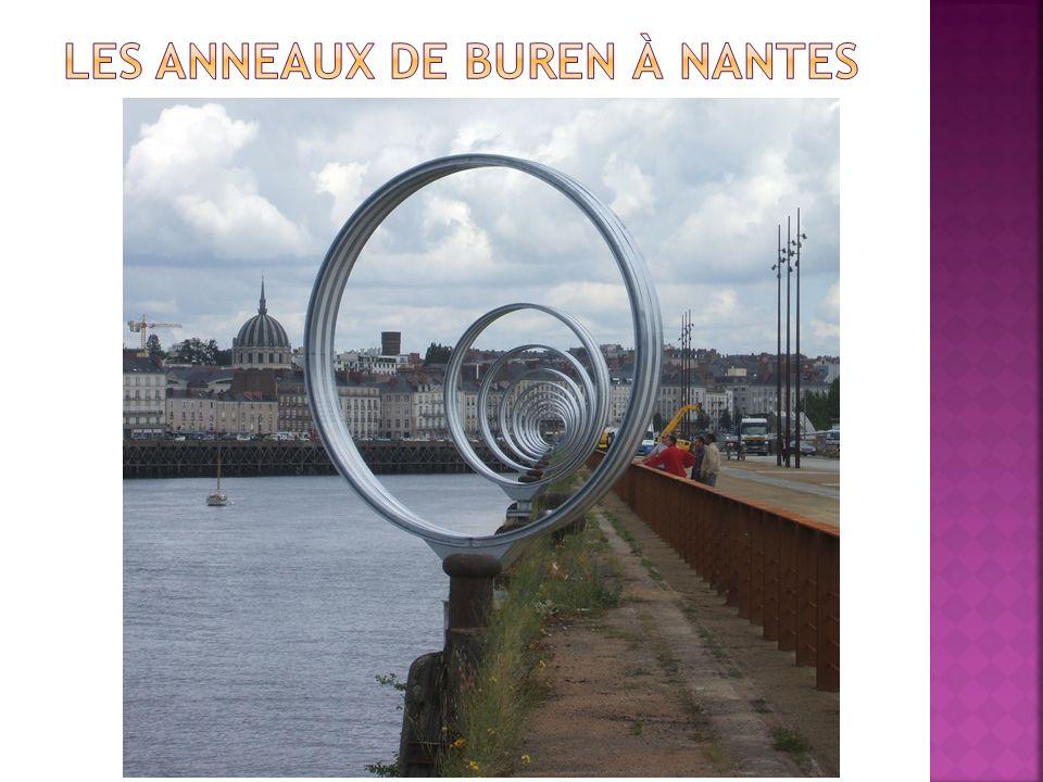 Les anneaux de Buren à Nantes