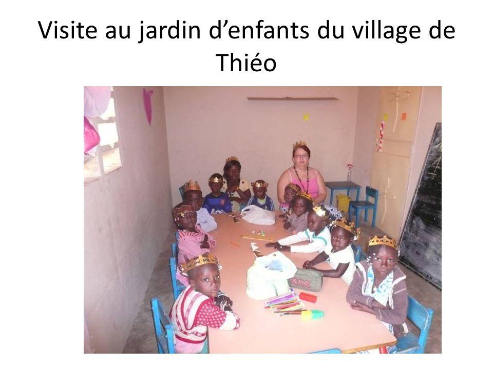 Visite au jardin d'enfants du village de Thiéo