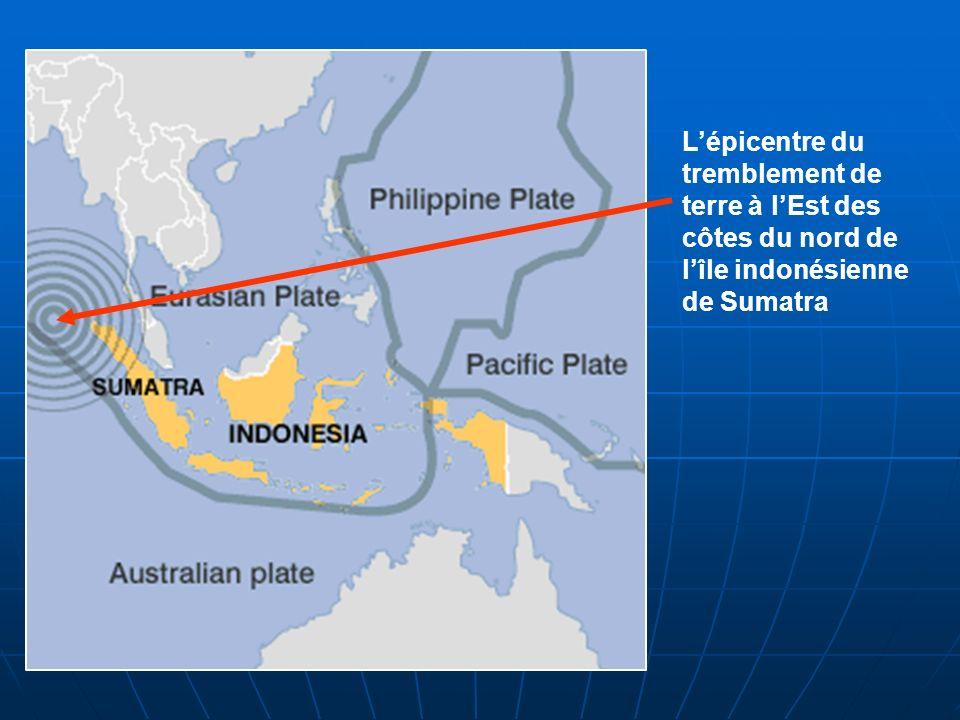 L'épicentre du tremblement de terre à l'Est des côtes du nord de l'île indonésienne de Sumatra