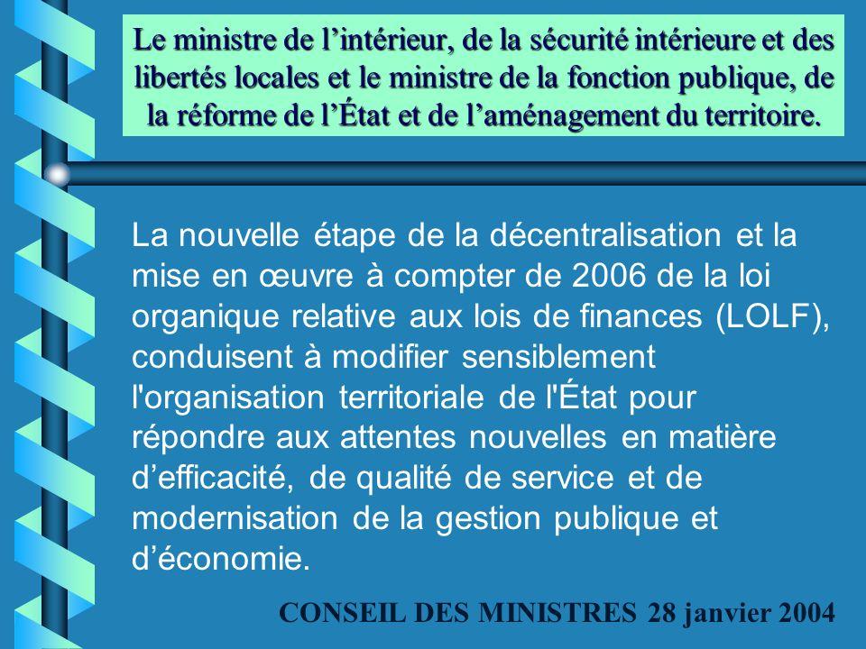 Le ministre de l'intérieur, de la sécurité intérieure et des libertés locales et le ministre de la fonction publique, de la réforme de l'État et de l'aménagement du territoire.