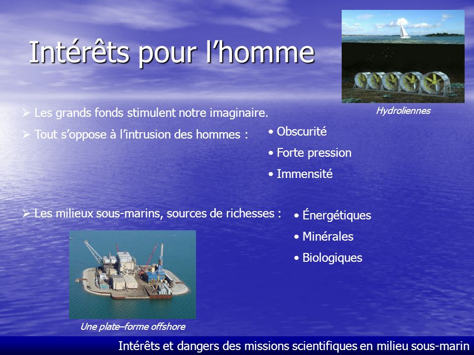 Une plate–forme offshore