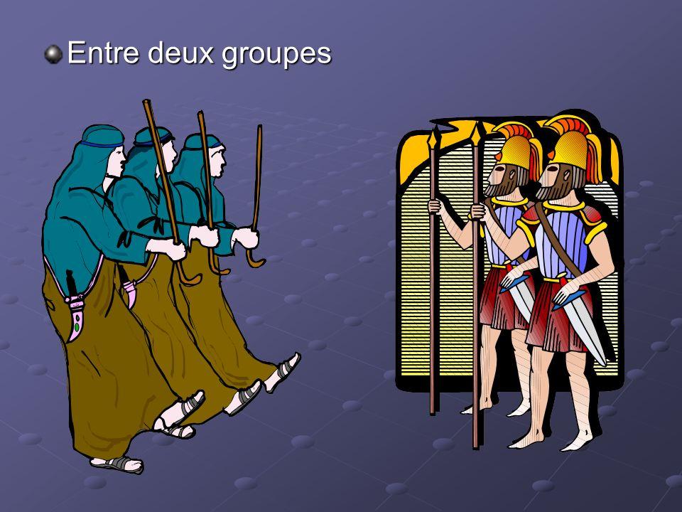 Entre deux groupes