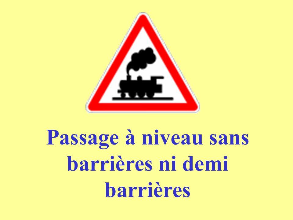 Passage à niveau sans barrières ni demi barrières