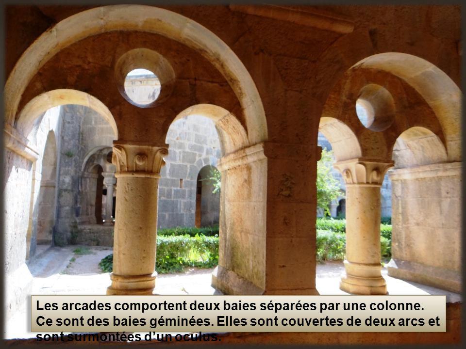 abbaye du thoronet avec ses soeurs silvacane situ e la roque d anth ron et s nanque situ e. Black Bedroom Furniture Sets. Home Design Ideas