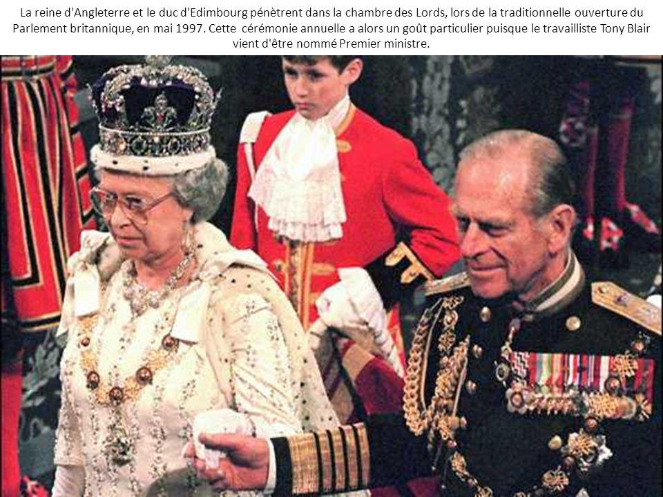 Elisabeth ii une vie royale en images ppt video online t l charger - Chambre des lords angleterre ...
