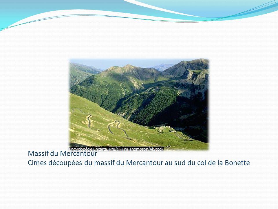 Massif du Mercantour Cimes découpées du massif du Mercantour au sud du col de la Bonette