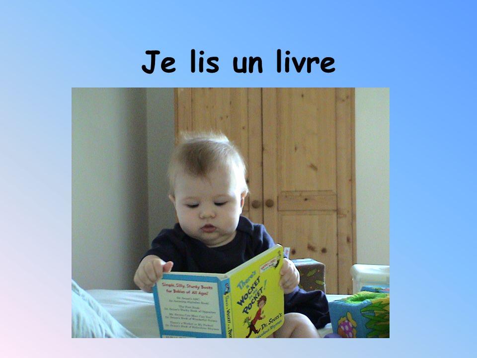 Je lis un livre