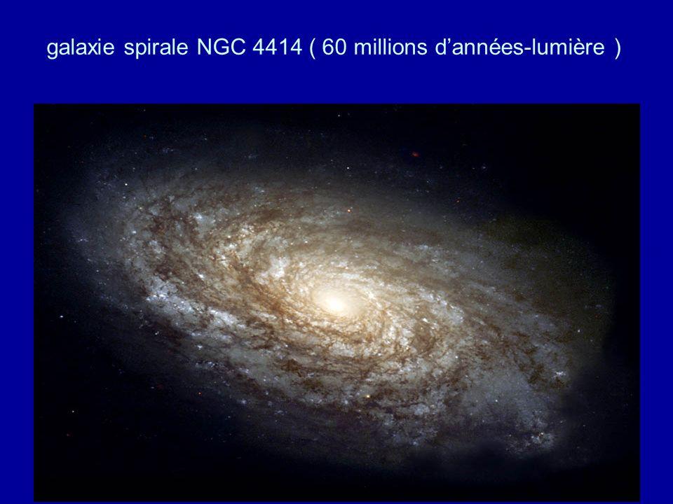 galaxie spirale NGC 4414 ( 60 millions d'années-lumière )