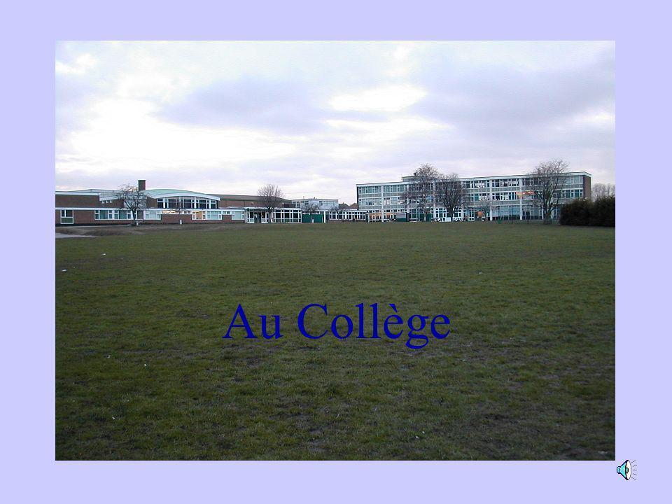 Au Collège