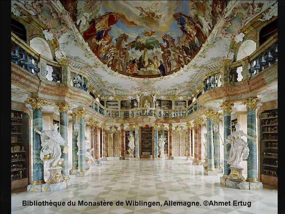 Bibliothèque du Monastère de Wiblingen, Allemagne. ©Ahmet Ertug